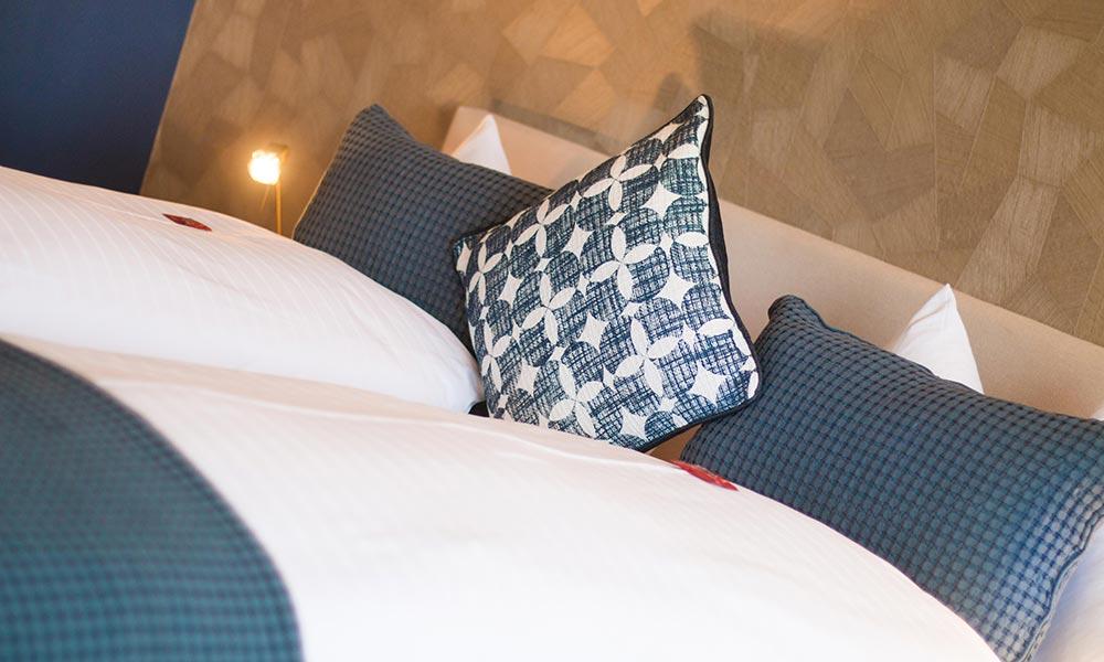 Intro Hotelzimmer-wohnen-Park-Hotel Inseli-1000x600