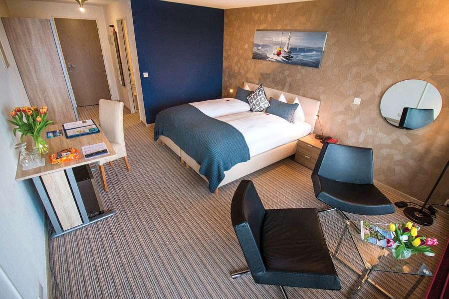Zimmer Bett 13 - Park-Hotel Inseli - Untitled-11 - 900x600